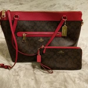 Coach Tote and matching zip around wallet